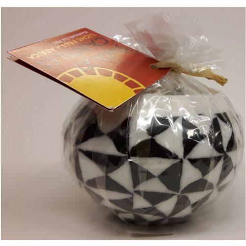 Fairtrade bolkaars Swazi Candle zwart wit driehoek motief